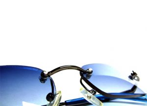 7b34eb40915 Choosing the Best Prescription Sunglasses to Protect Your Eyes From the Sun  This Summer
